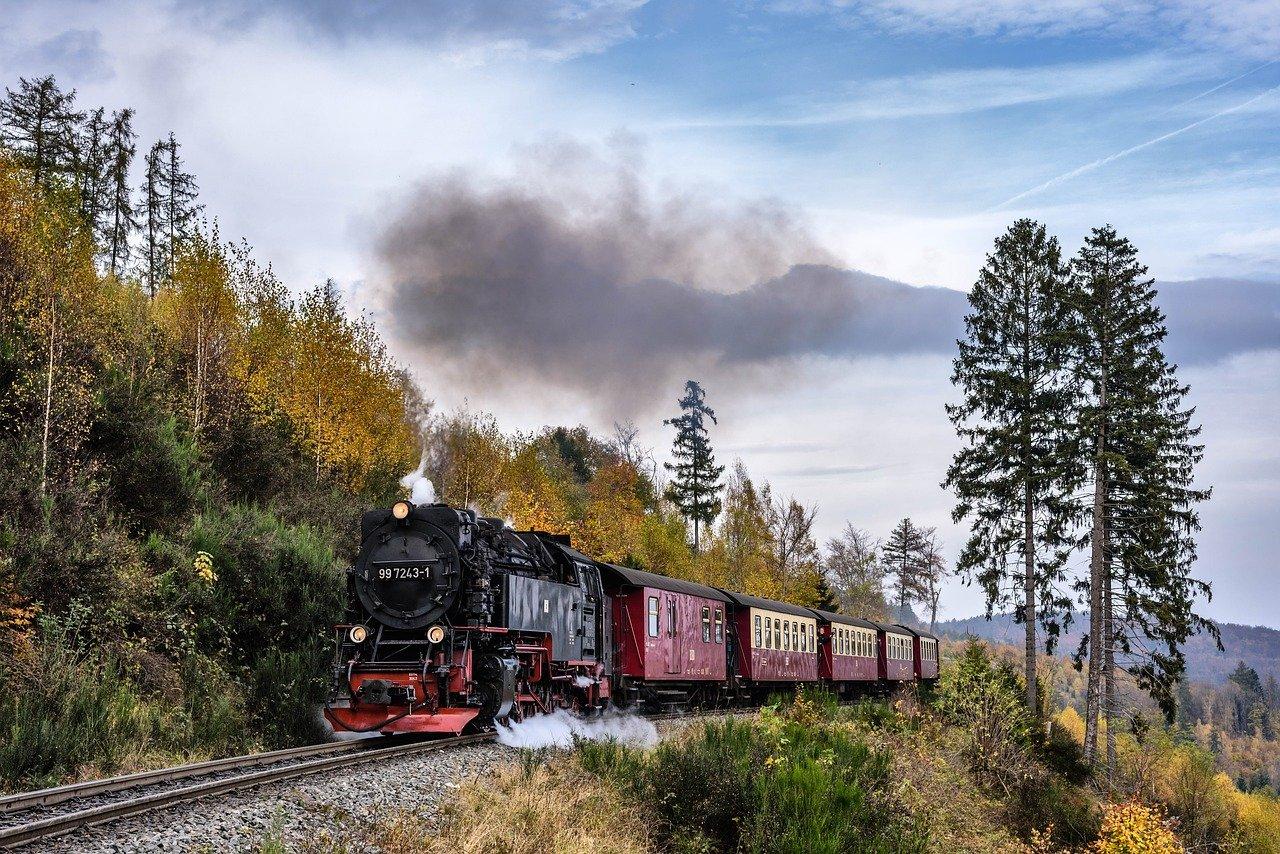 steam locomotive 2926525 1280
